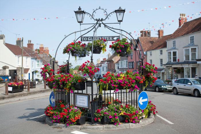Thornbury roundabout in full bloom